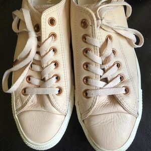 Converse Shoes - BLUSH AND ROSE GOLD CONVERSES SIZE 8